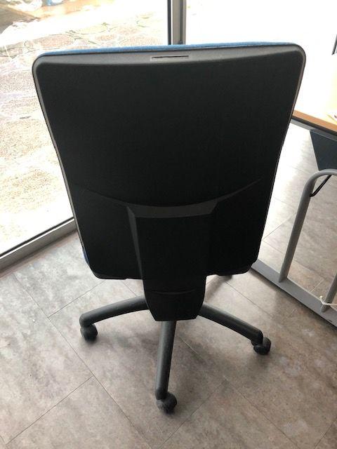 Chaises de bureau bleues 180 Nanterre (92)
