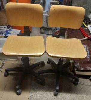 chaises de bureau à roulettes  99 Veauche (42)