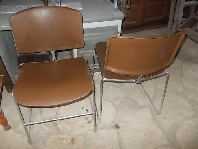 5 Chaises de bureau Strafor vintage design industriel 80 Saulieu (21)
