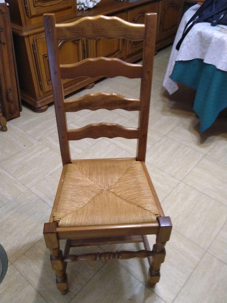 6 chaises en chêne 100 Le Grand-Quevilly (76)