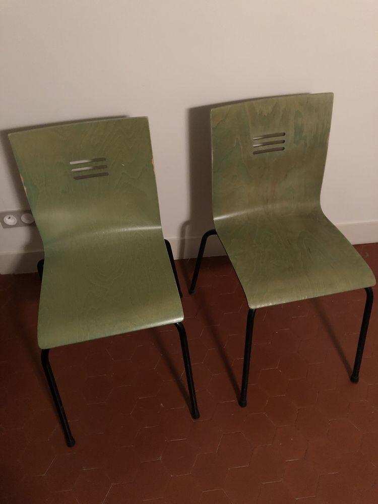 Chaises contemporaines  25 Villeneuve-lès-Avignon (30)
