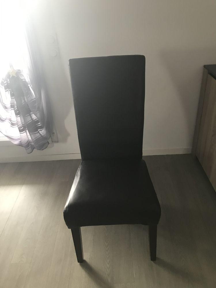 4 chaises couleur  marrons  100 Chartres-de-Bretagne (35)
