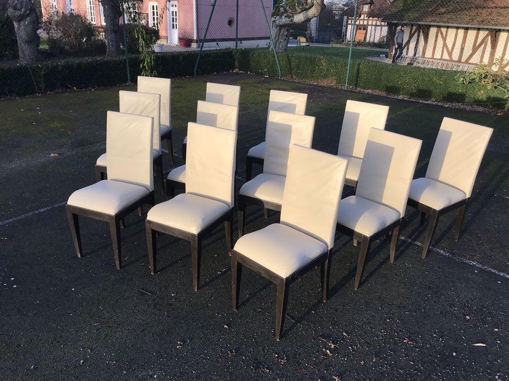 Lot 12 chaises cuir et bois Meubles