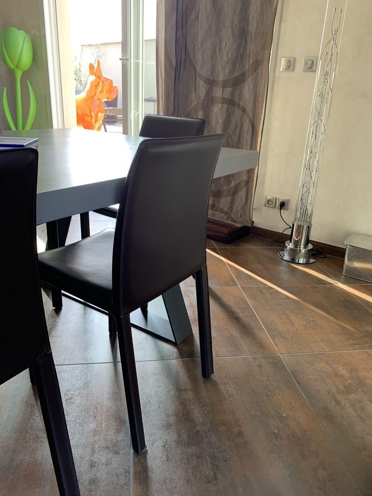 6 chaises cuir de salle à manger  500 Villeurbanne (69)
