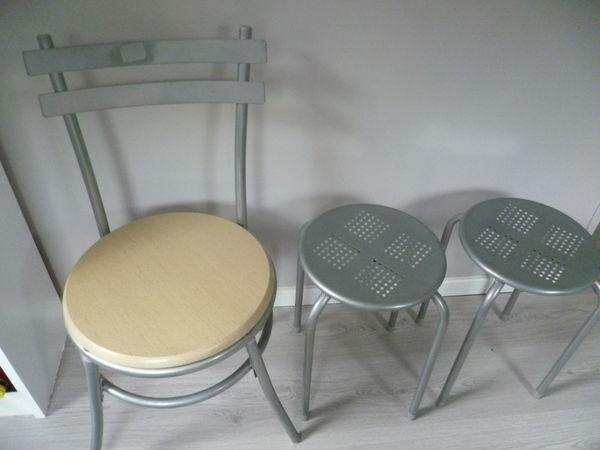 4 chaises de cuisine 2 tabourets 62 Darnétal (76)