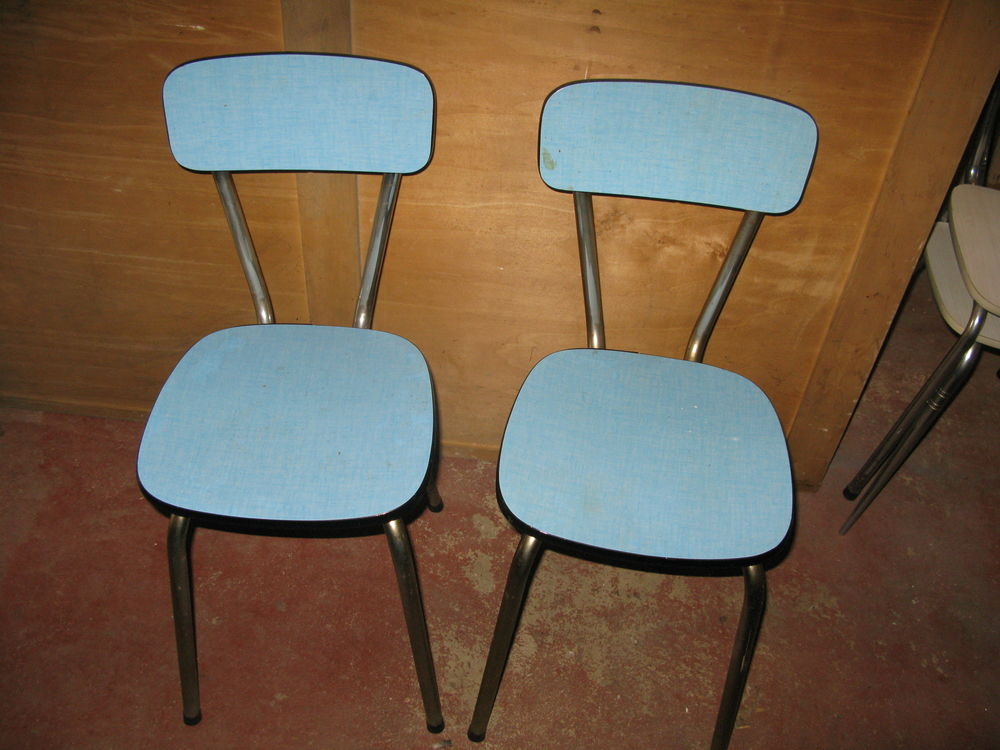 Chaises de cuisine. 10 Issou (78)