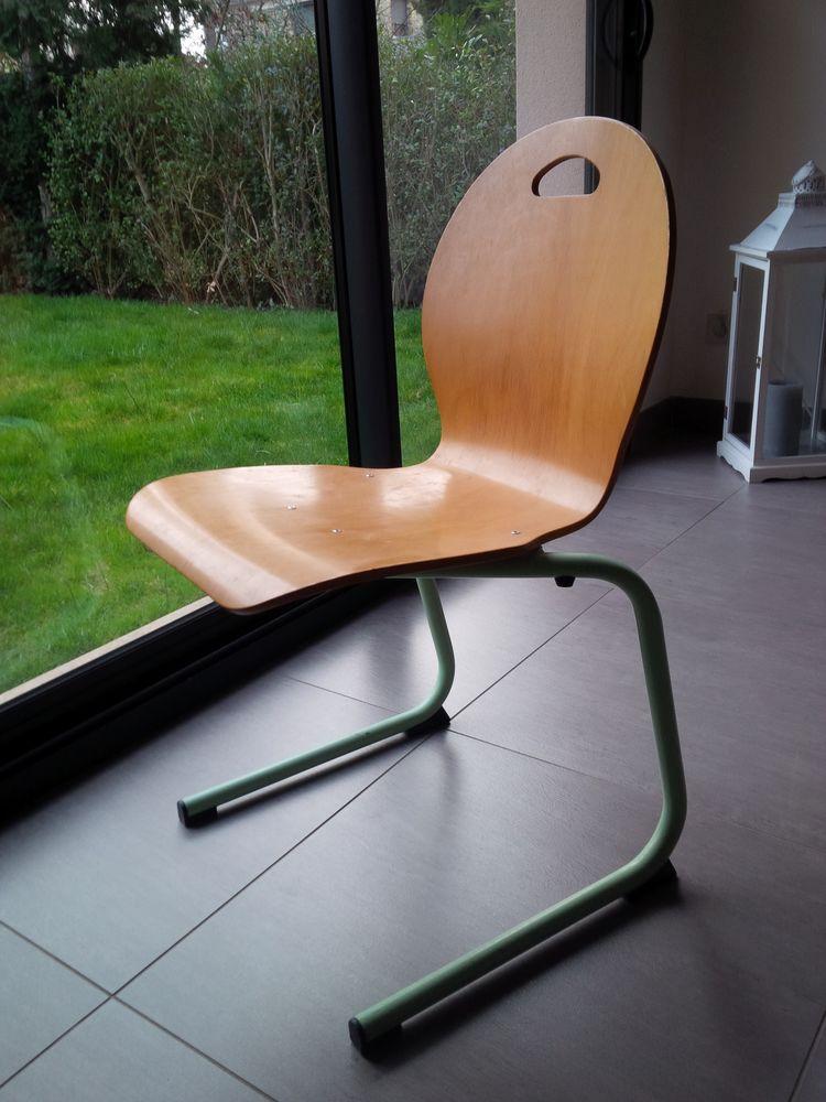 meubles h tre occasion montigny le bretonneux 78 annonces achat et vente de meubles h tre. Black Bedroom Furniture Sets. Home Design Ideas