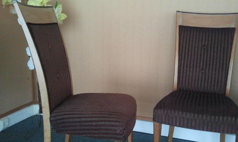 lot de 4 chaises haut dossier état neuf 550 Clairefontaine-en-Yvelines (78)