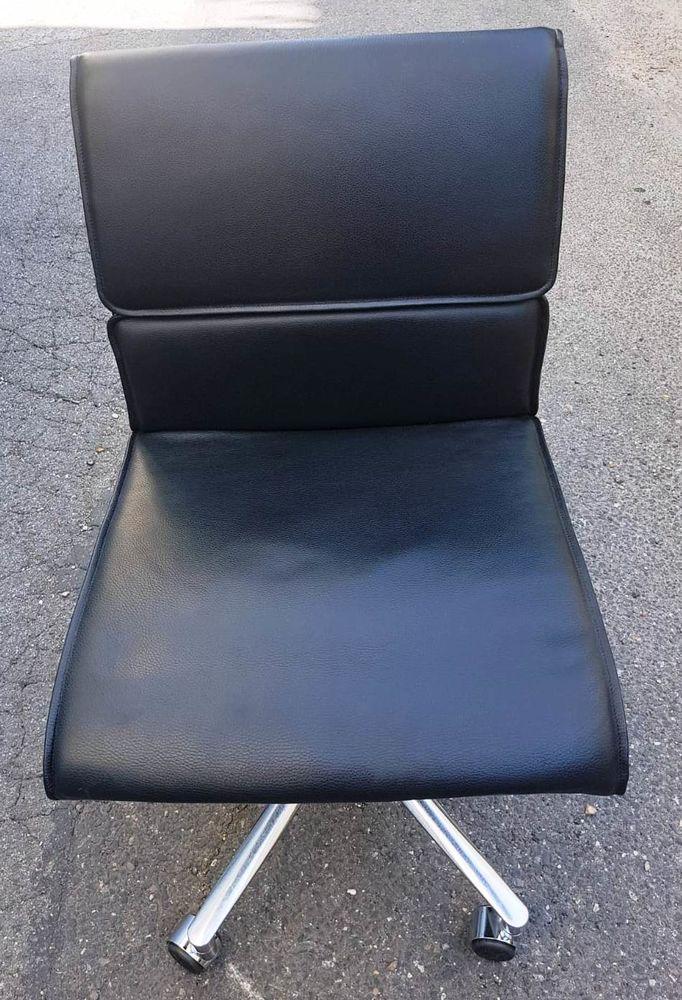 Lot de 28 chaises haut de gamme tout cuir en très bon état 45 Paris 18 (75)