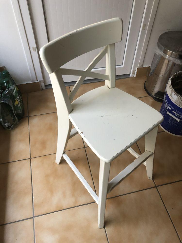 2 Chaises haute Bebe 20€ 20 Sainte-Geneviève-des-Bois (91)