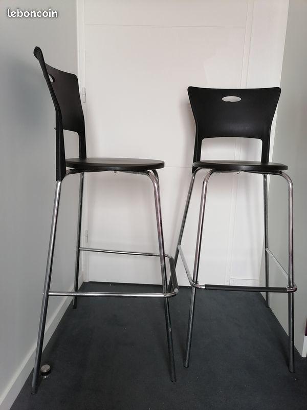 2 chaises hautes bar Alinéa 45 Asnières-sur-Seine (92)