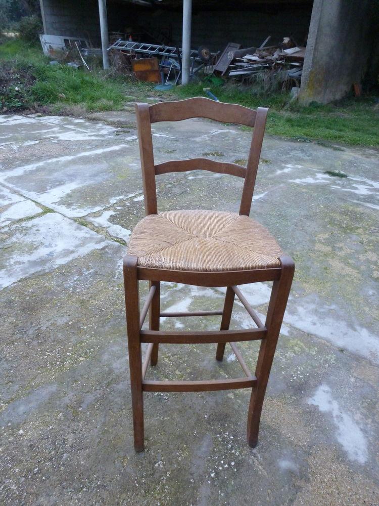 2 chaises hautes 20 Saint-Rémy-de-Provence (13)