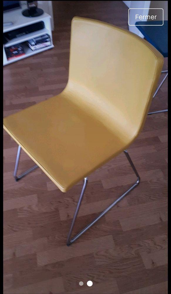 2 chaises jaunes ikea 55euros l'unité 55 Reims (51)