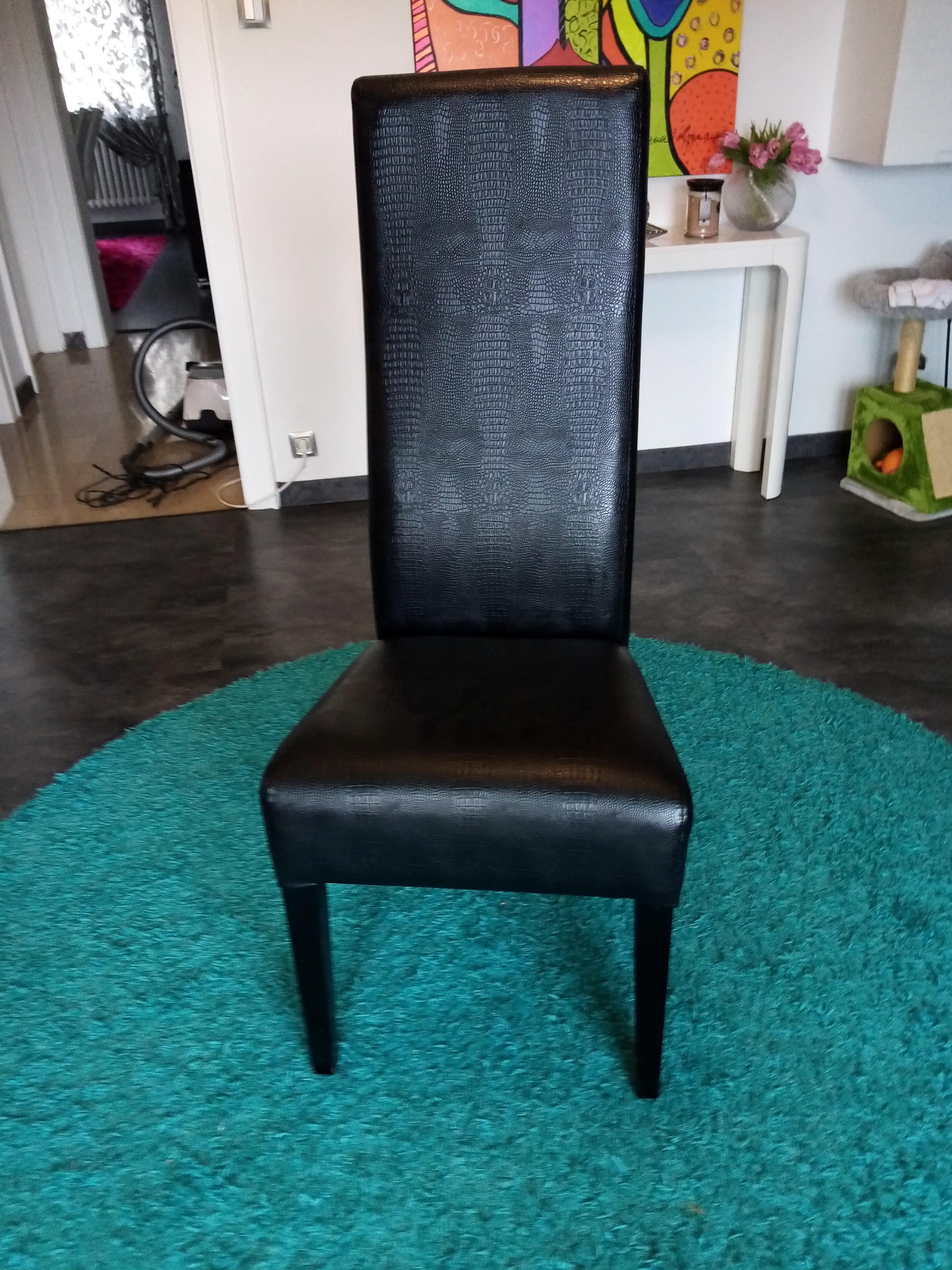 8 chaises Karé Design 500 Forbach (57)