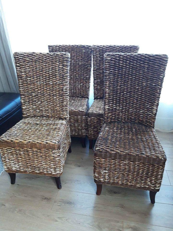 4 chaises Maison Coloniale en feuilles de bananier 100 Vélizy-Villacoublay (78)