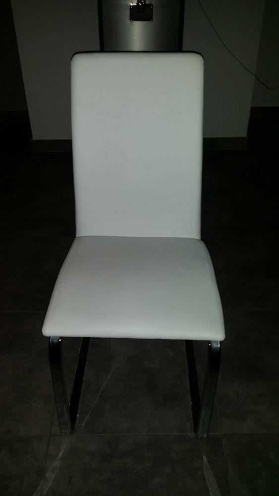chaises en cuir occasion lyon 69 annonces achat et vente de chaises en cuir paruvendu. Black Bedroom Furniture Sets. Home Design Ideas
