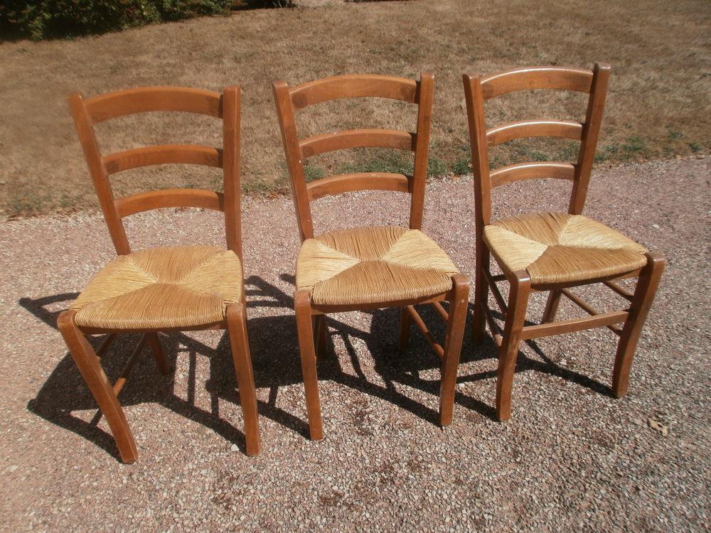 3 chaises paille 45 La Guiche (71)