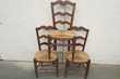 3 chaises paillées , en hêtre