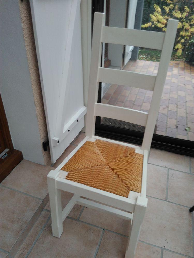 Chaises paillées peintes ivoire 160 Claye-Souilly (77)