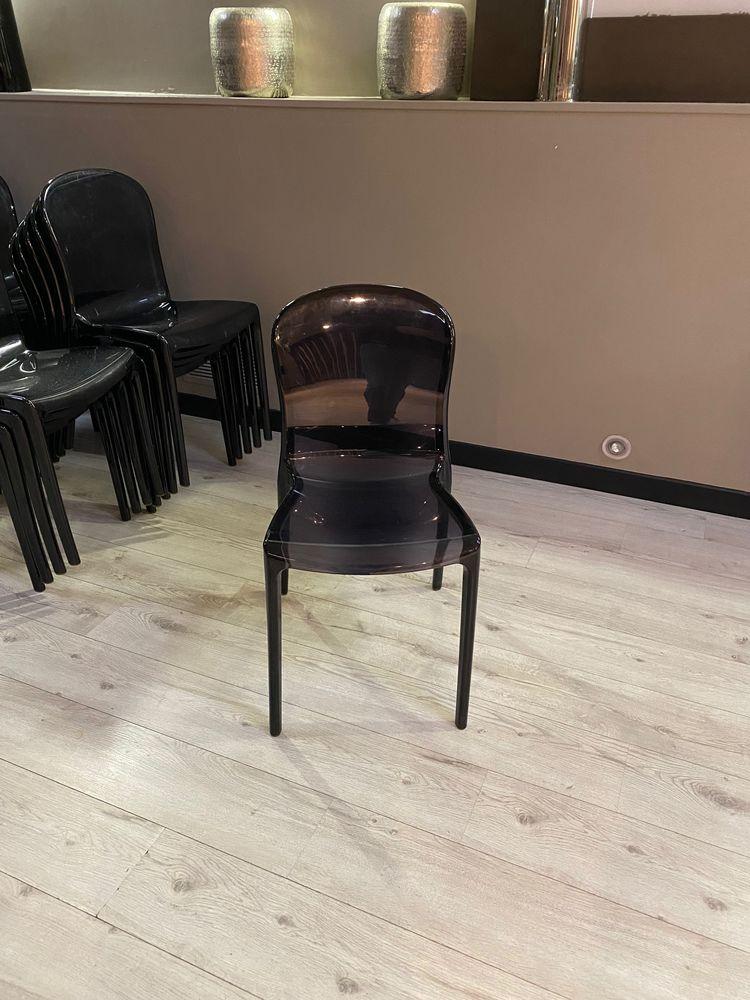 chaises polycarbonate design noir transparentes, 28 Neuilly-sur-Seine (92)