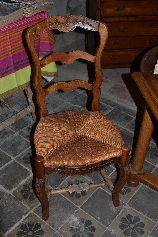 chaises provençales 40 Saint-Pons-de-Thomières (34)