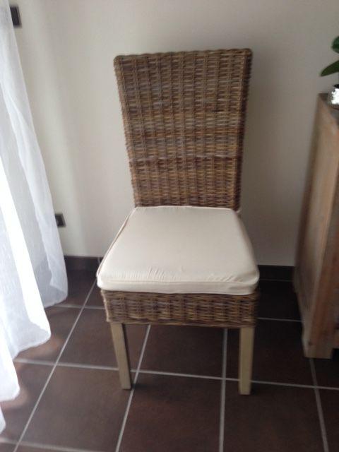 6 chaises en rotin 350 Le Pian-Médoc (33)