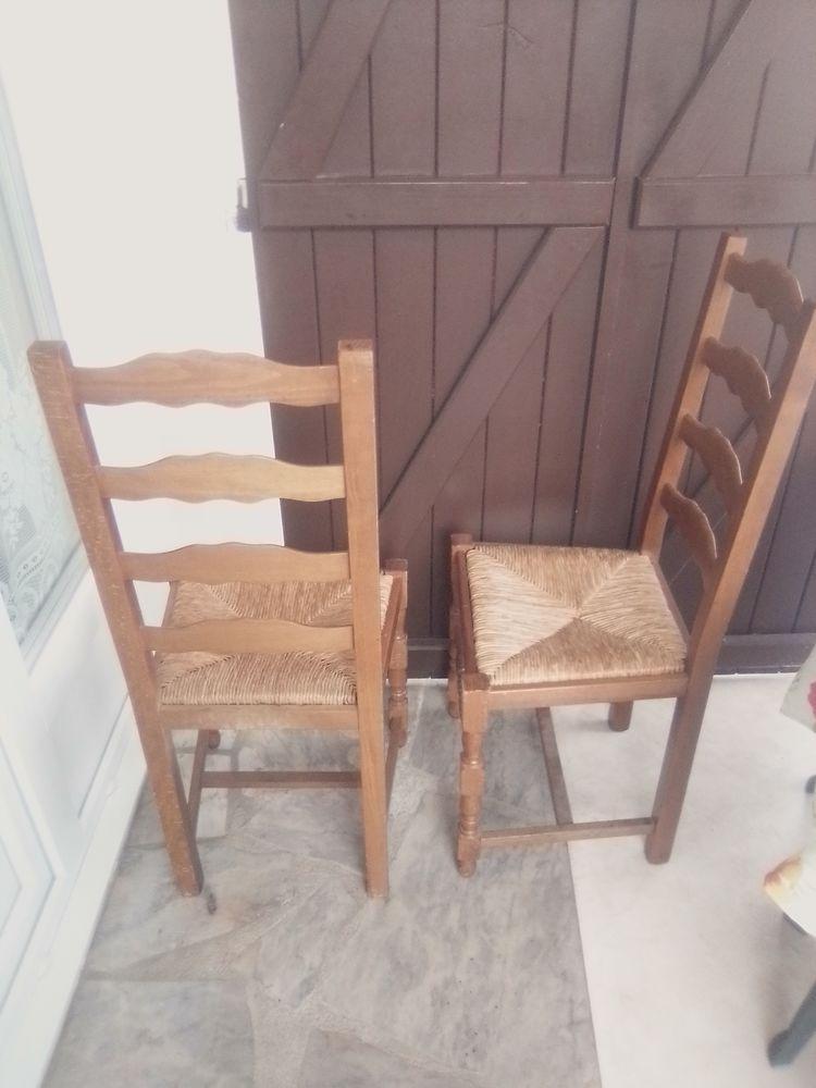 chaises rustiques comme neuves 0 Noisy-le-Grand (93)