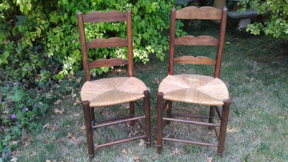lot de 2 chaises rustiques bon état 20 Les Brouzils (85)