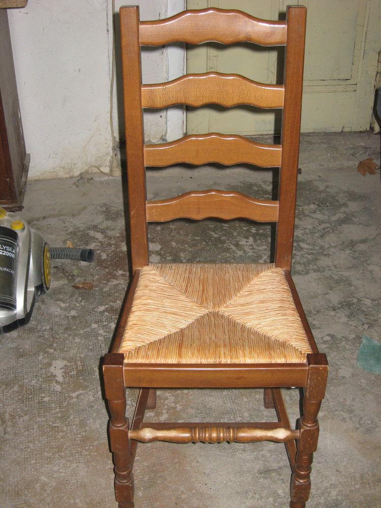 chaises de salle a manger 90 Bron (69)