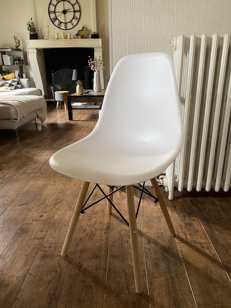 chaises scandinaves 35 Saint-Étienne-de-Chigny (37)