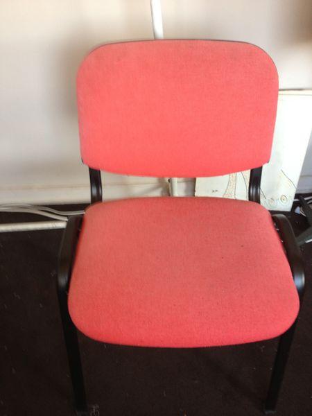Chaises siège en tissu rouge 40 Cannes (06)