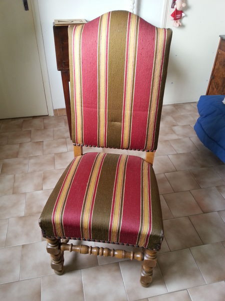 6 chaises style Louis XIII en chêne  130 Générac (30)