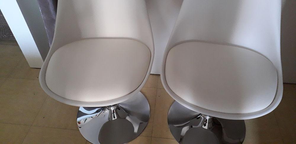 chaises style scandinave 50 La Ciotat (13)
