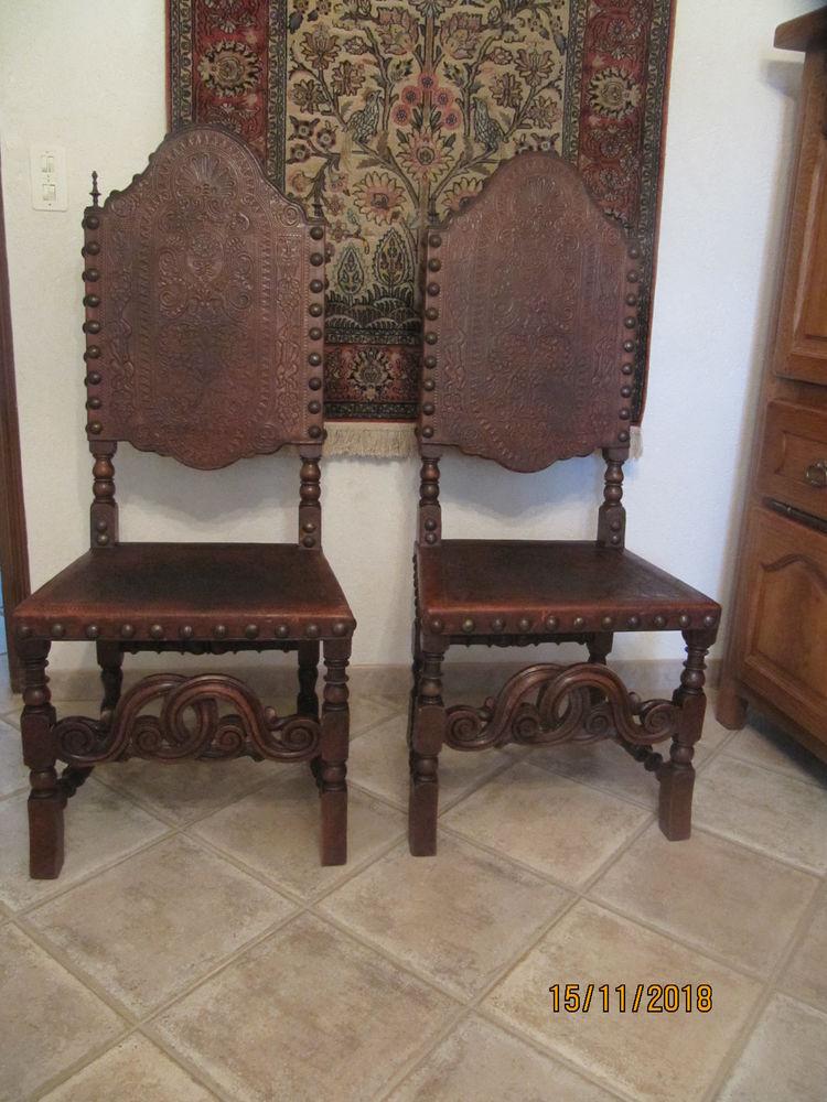 2 chaises de style 100 Figanières (83)