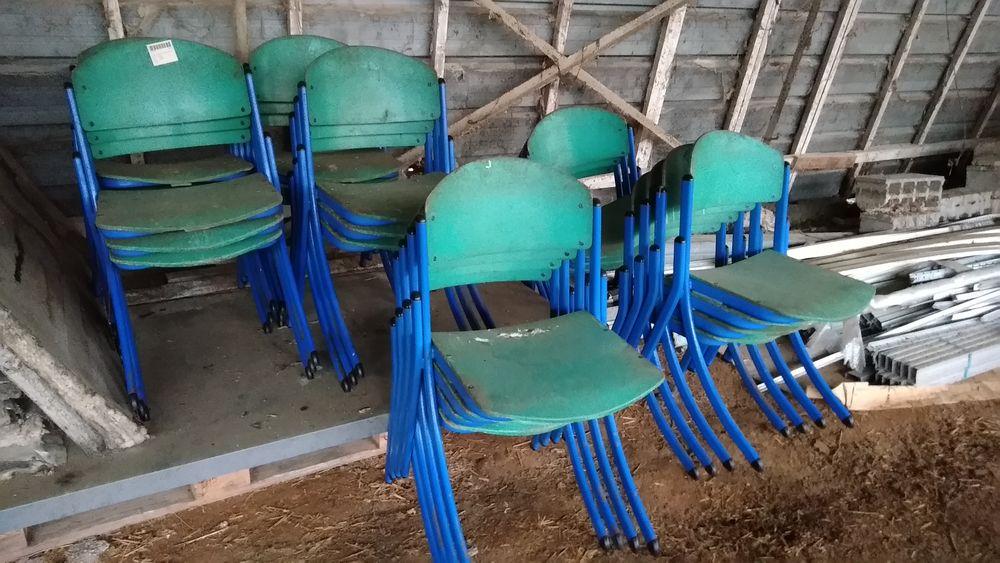 Chaises et tables de collectivités 10 Sarpourenx (64)