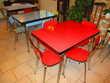 40 chaises et tablesde bistrot vintage Meubles