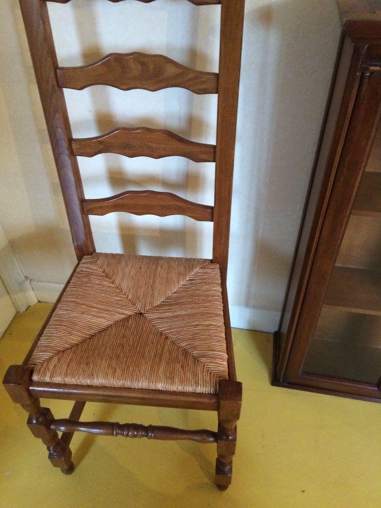 Lot de 4 chaises très bon état 0 Saint-Quentin (02)