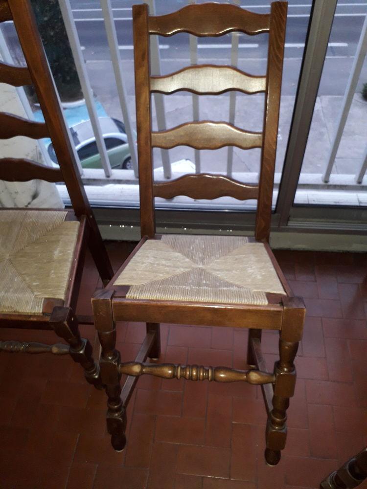 lot de 4 chaises vantage  en bois vernis  30 Givors (69)
