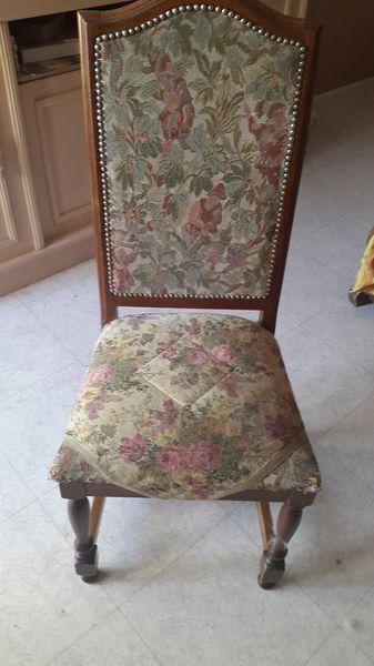 4 chaises  10 Sartrouville (78)