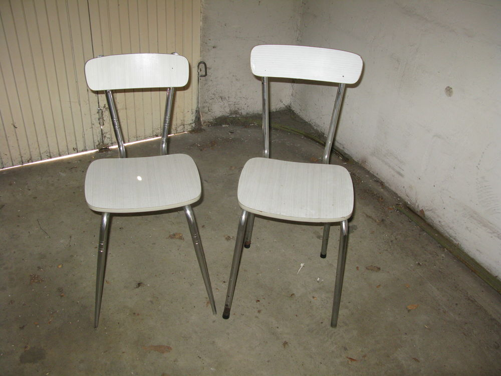 chaises. 10 Issou (78)