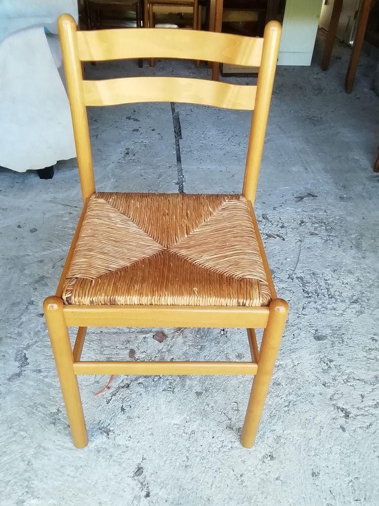 Lot de 4 chaises  60 Bourg-Blanc (29)