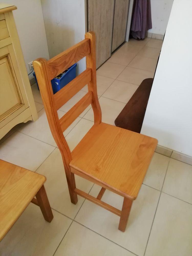 4 chaises  40 Saint-Michel-Mont-Mercure (85)