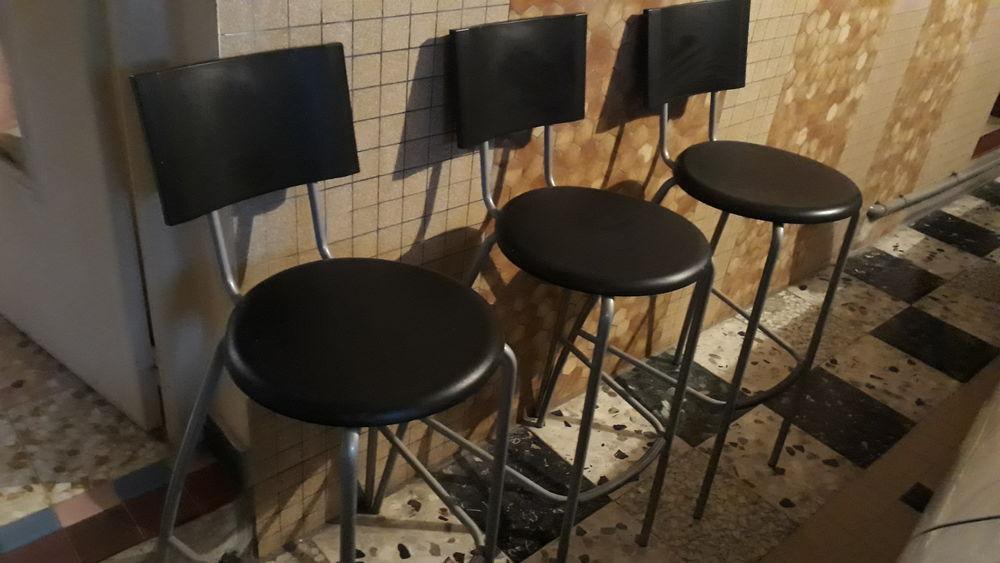 3 chaises de bar  21 Camon (80)