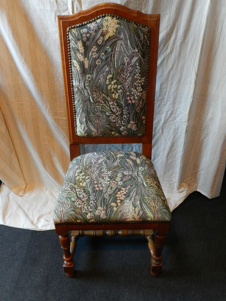 4 chaises 100 Harly (02)