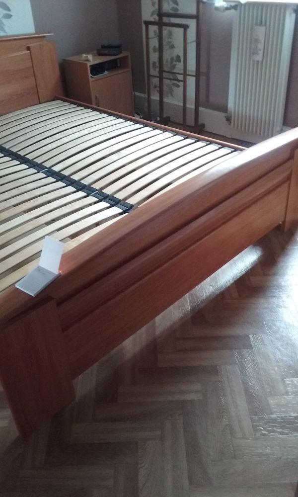 chambre avec  lit de 160 armoire et chevets  250 Grande-Synthe (59)