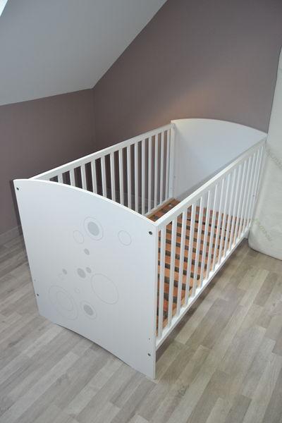 Chambre bébé: lit+commode+plan à langer+matelas 320 Noyal-sur-Brutz (44)