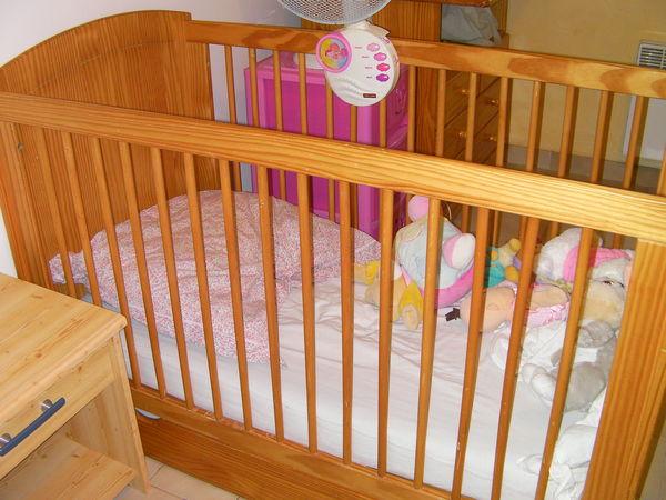 chambre bébé complète 270 Manosque (04)