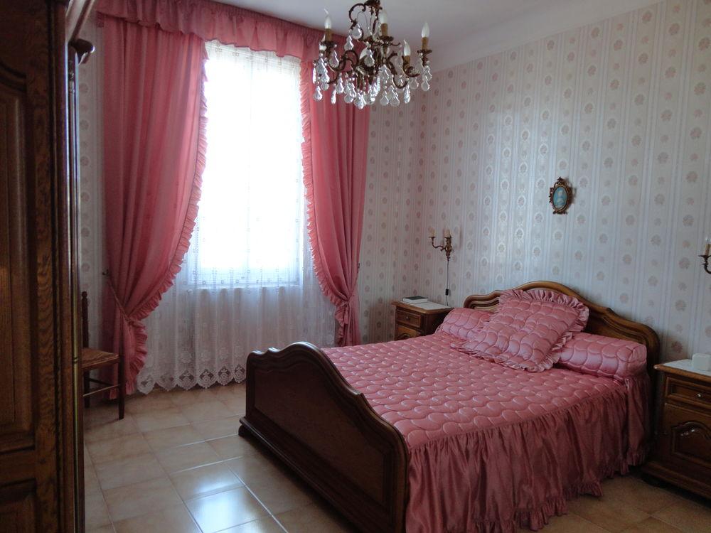 Chambre complète Marque BROCELIANDE 1200 Marseille 10 (13)
