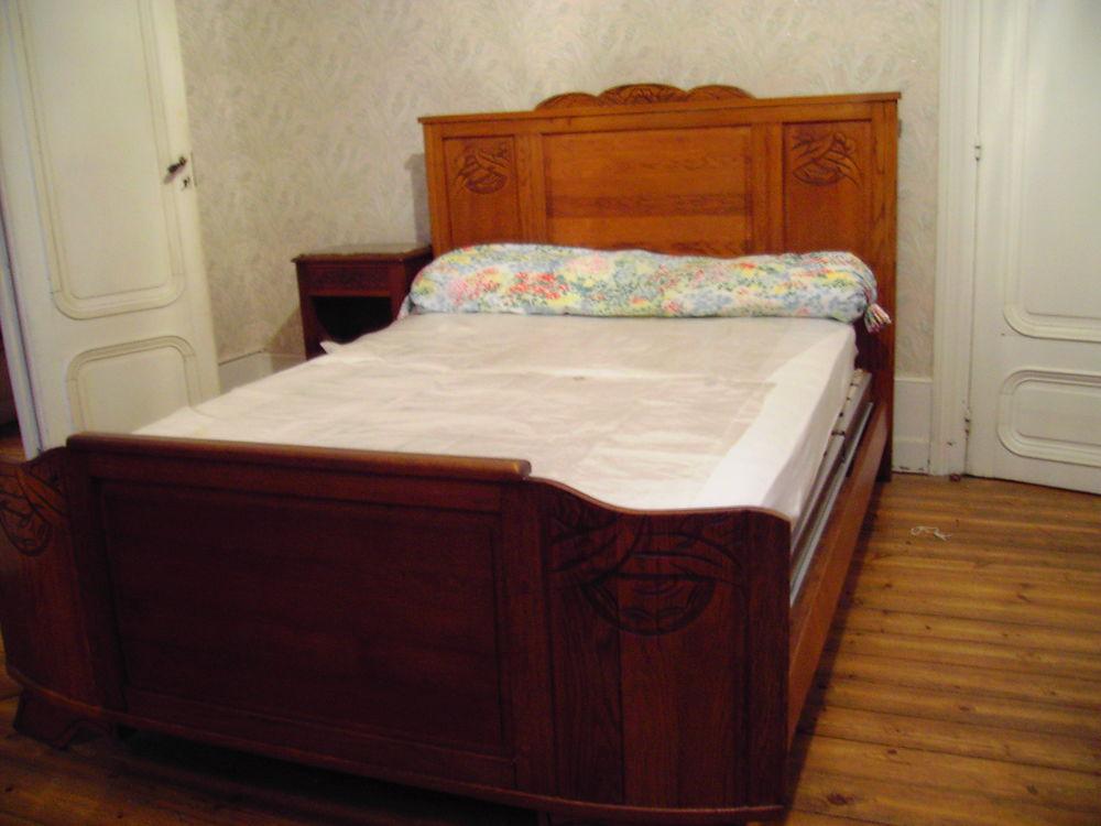 chambre a coucher ancienne . 300 Montgaillard (09)