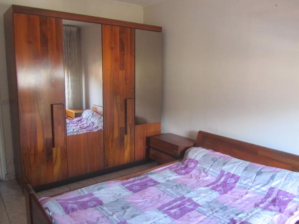 Chambre à coucher 400 La Trinité (06)